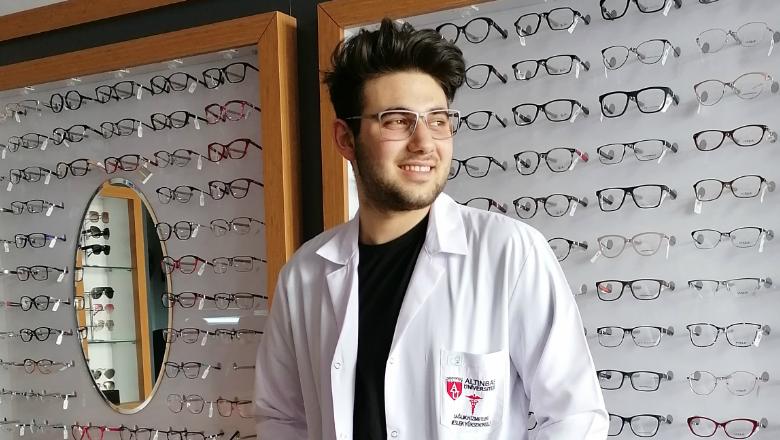 Dr.Selim HÜSREVOĞLU: Hastanelerde Optisyenlere İhtiyaç Var